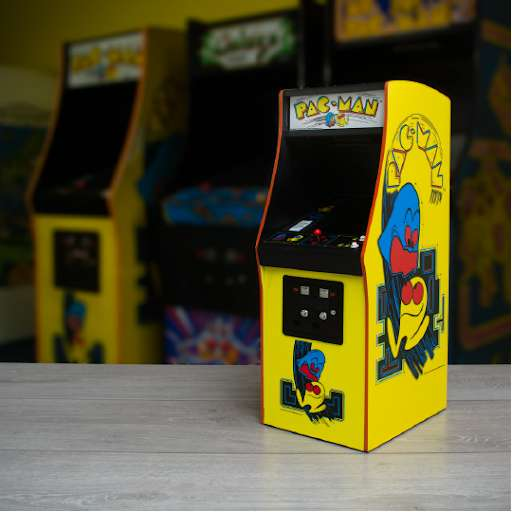 Pac-Man Quarter Size Arcade Cabinet