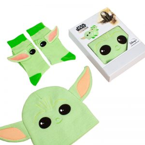 Official Star Wars The Mandalorian Baby Yoda Gift Set – Beanie / Socks